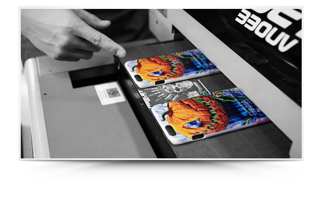 Imprimare pe carcasa de telefon cu print UV